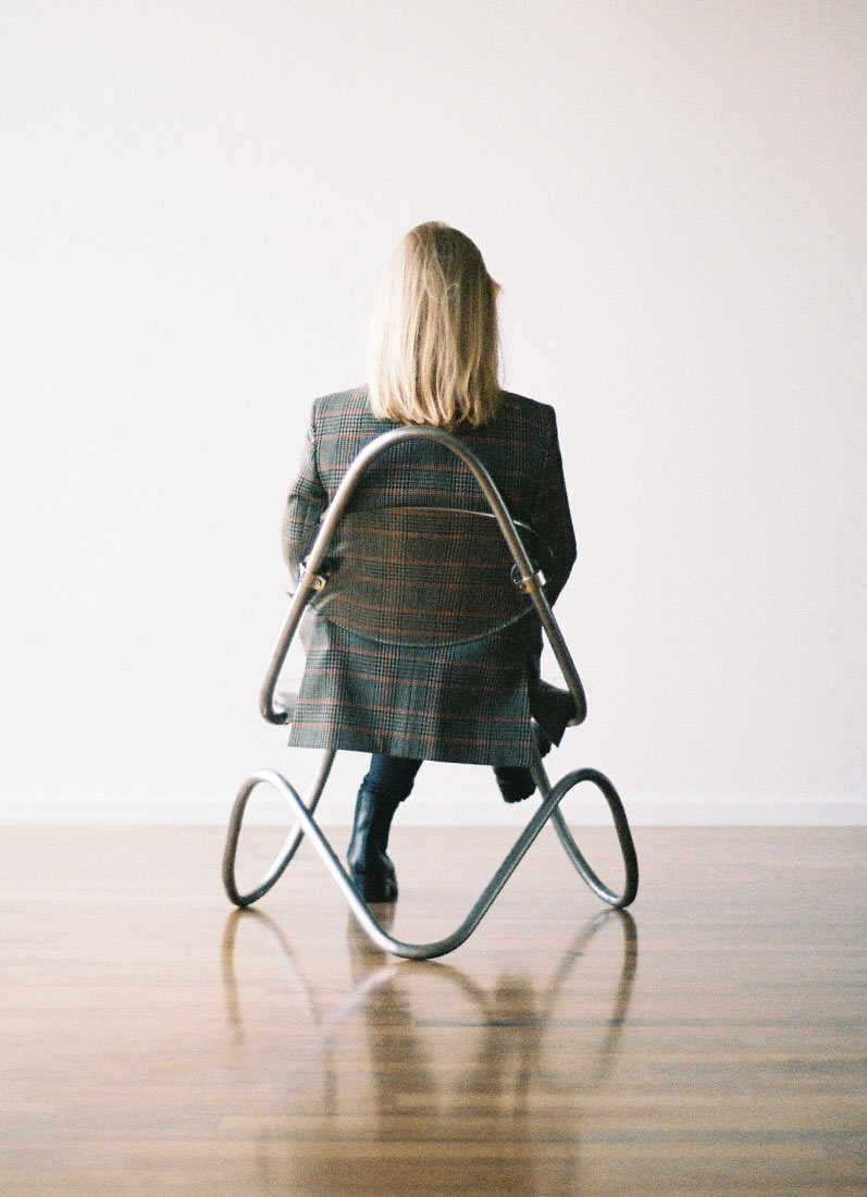 c1-lounge-chair-behind-person2